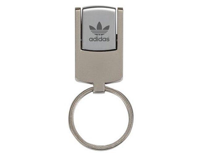 http://www.criativebrindes.com.br/content/interfaces/cms/userfiles/produtos/pendrive-metal-giratorio-personalizado-para-brindess-793.jpg